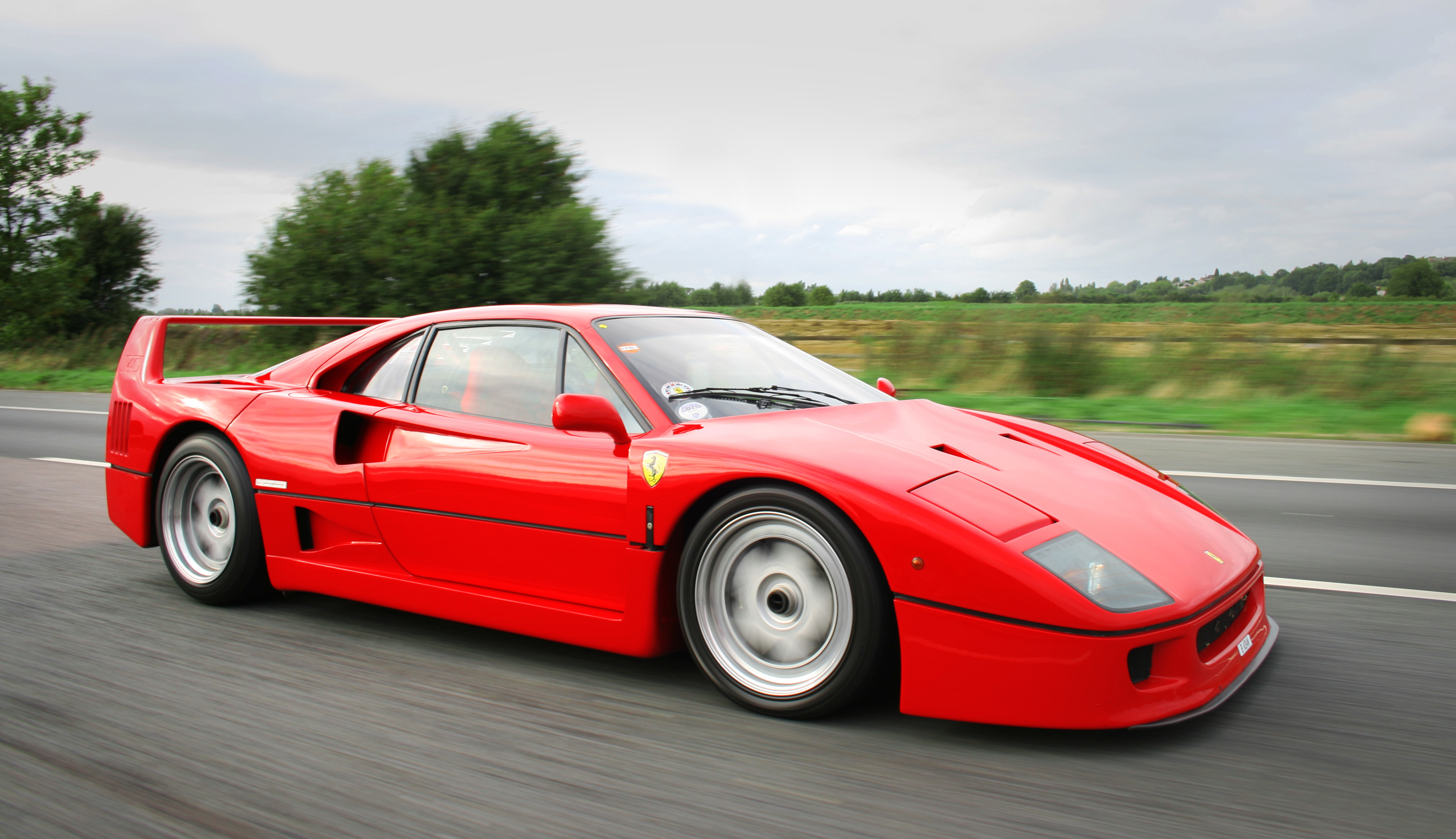 Ferrari F40 14 Record-Setting Supercars That Made an Impression