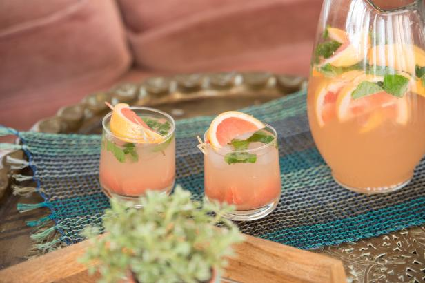 gin and tonic with muddled mint and fresh pink grapefruit from HGTV wedding cocktails
