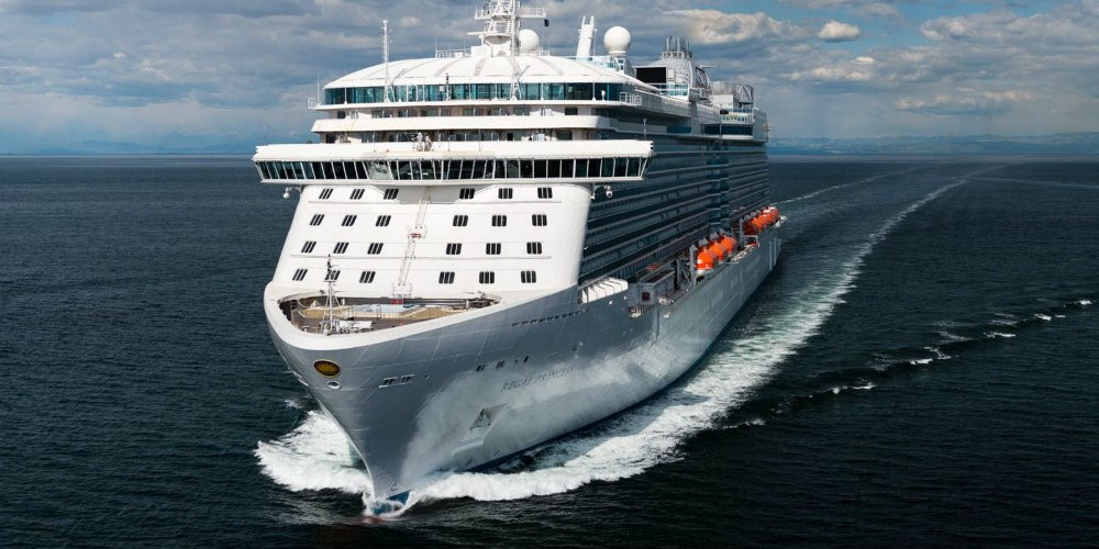 LUXURIOUS CRUISE SHIPS - THE BEST OF BOTH WORLDS 04 luxurious cruise ships Luxurious Cruise Ships – The Best Of Both Worlds LUXURIOUS CRUISE SHIPS THE BEST OF BOTH WORLDS 04