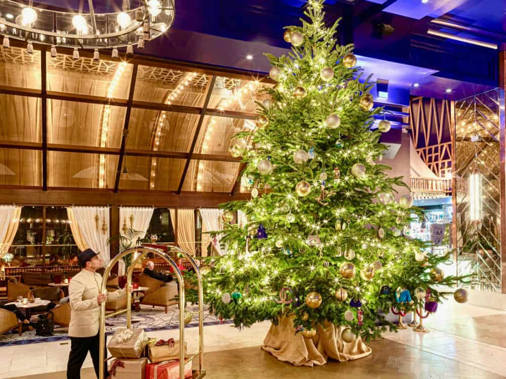 The Most Expensive Christmas Tree In The World   Retroworldnews